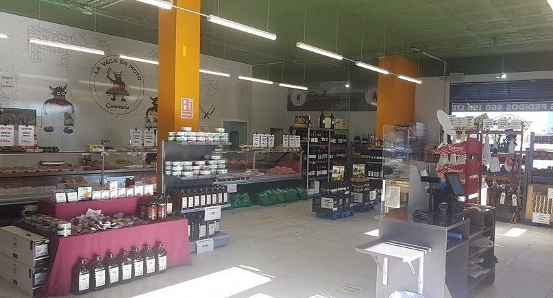 La vaca en moto aglutina carnicería, tienda gourmet y sala de degustación en un mismo espacio. Foto cedida por el establecimiento