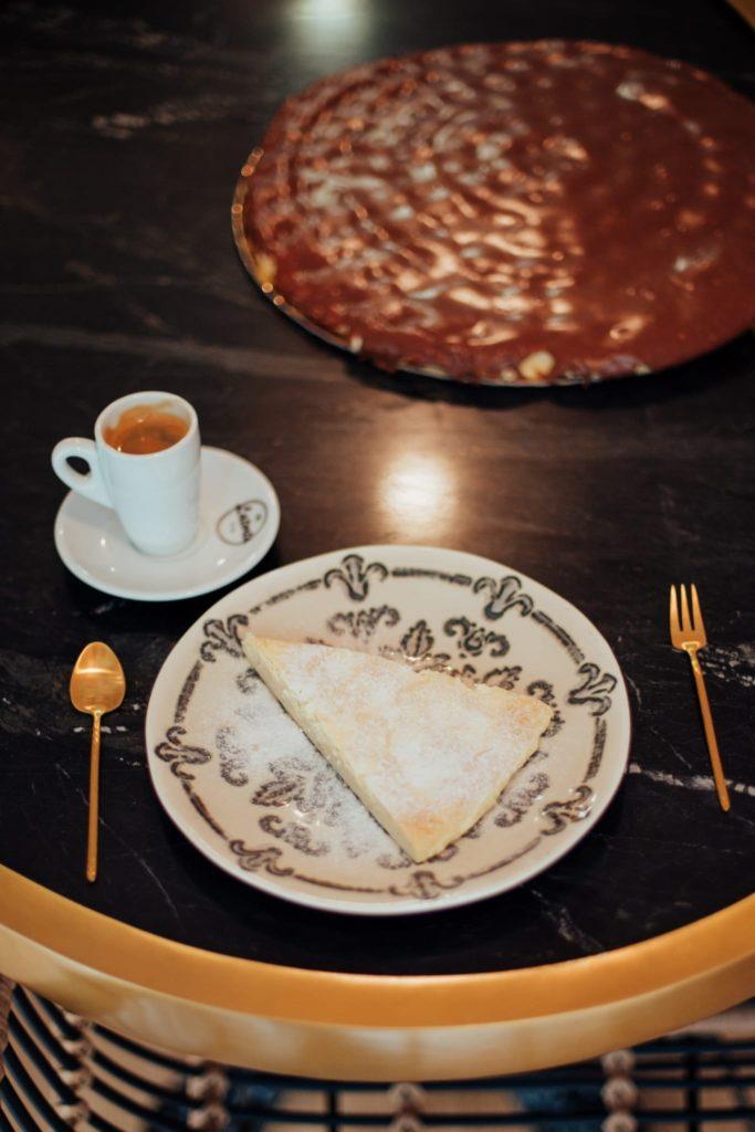 Ofertan tortas artesanales, tanto clásicas como con chocolates belgas. Foto cedida por el establecimiento
