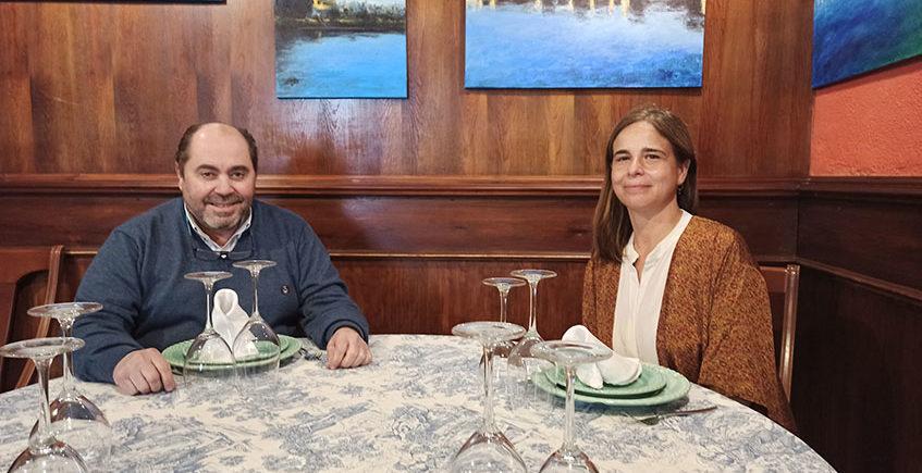 Jose Juan y Begoña sentados