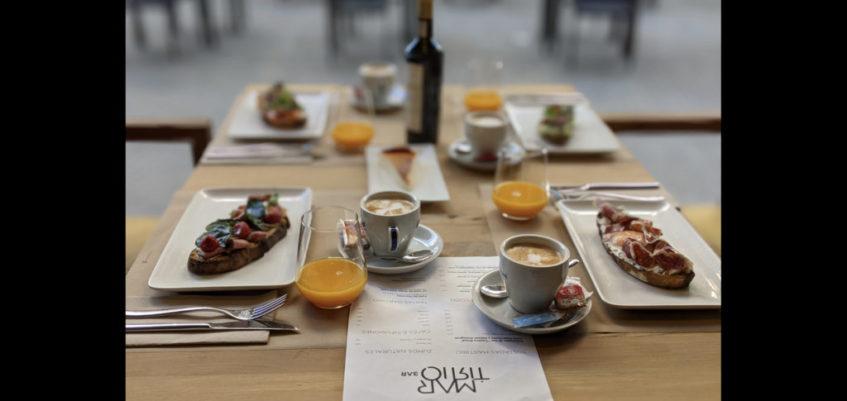 Cafés especiales, tés y zumos naturales completan la oferta matutina. Foto cedida por el establecimiento