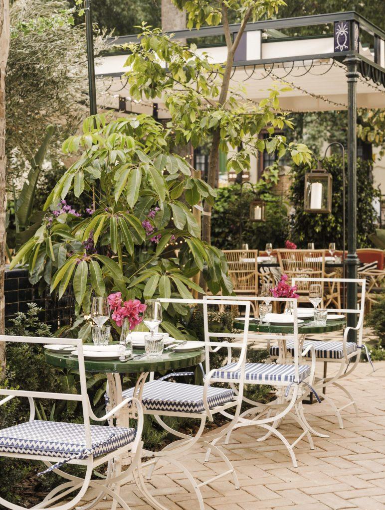 El establecimiento posee más de 800 metros cuadrados de jardín. Foto cedida por Casa Ozama