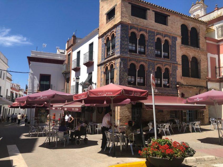 El bar Goya, fundado en los años 30, es uno de los más emblemáticos de Carmona. Foto: CosasDeComé