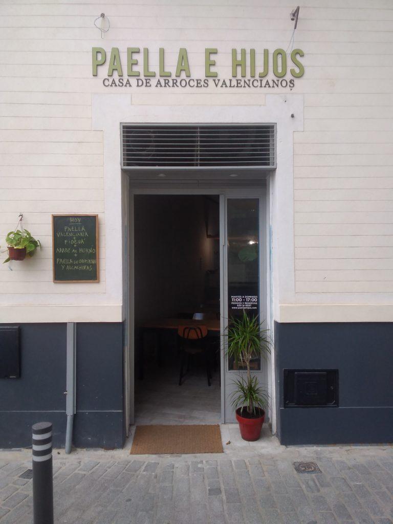 El local se ubica en el número 21 de la calle Juzgados, en el céntrico barrio de San Julián. Foto cedida por Paellas e Hijos
