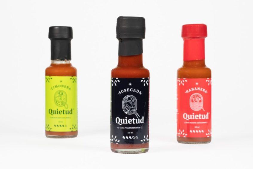 Las salsas líquidas de Quietud: Limonera, Sosegada y Habanera. Foto cedida por la empresa