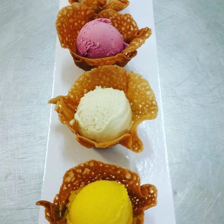 Selección de sabores de helados artesanos en tulipas. Foto cedida por el establecimiento