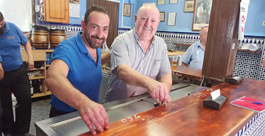Casa Gálvez, el bar que funciona a tiza