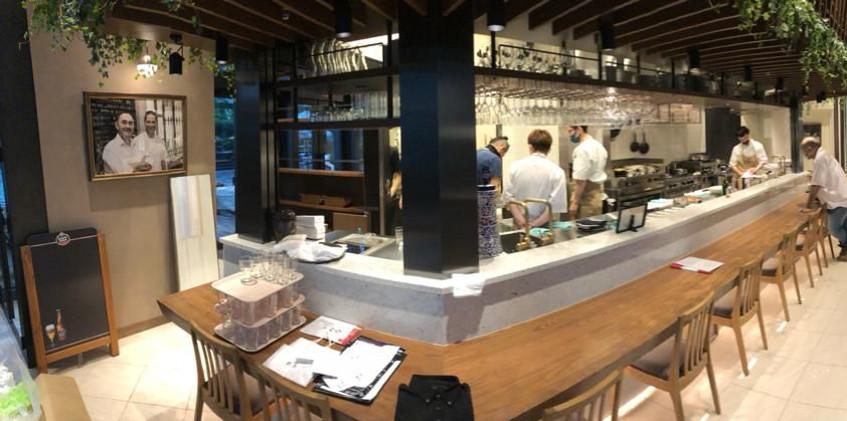 El bar Yebra lleva a Tokio la cocina sevillana con toques innovadores, incluida la torrija