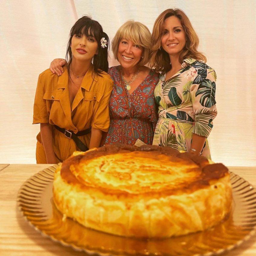 Pilar Molina junto a sus hijas Cristina y Marta que han expandido el negocio por Málaga y Sevilla, respectivamente. Foto cedida por el establecimiento