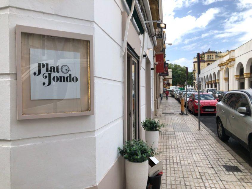 El nuevo establecimiento se ubica en el corazón del Arenal. Foto: CosasDeComé