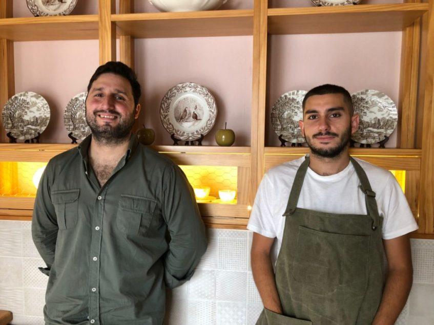 Javier Abascal, izquierda, y Javier Vargas se conocieron hace algo más de un año trabajando juntos en Puro Tapas. Foto: CosasDeComé