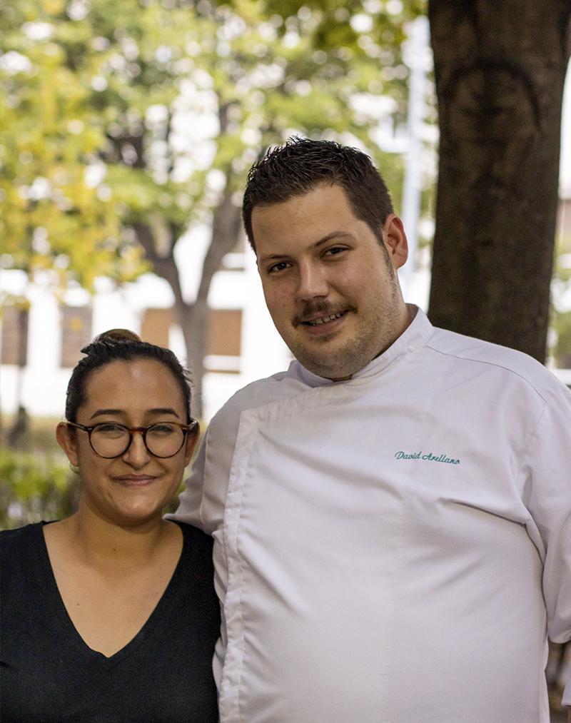 Marina Morán y David Arellano regentan este nuevo establecimiento de Tomares. Foto cedida por Damadá