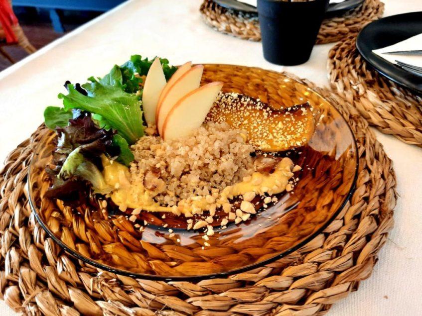 En la carta de La Tizná priman los platos saludables marcados por la estacionalidad de los productos. Foto cedida por el establecimiento