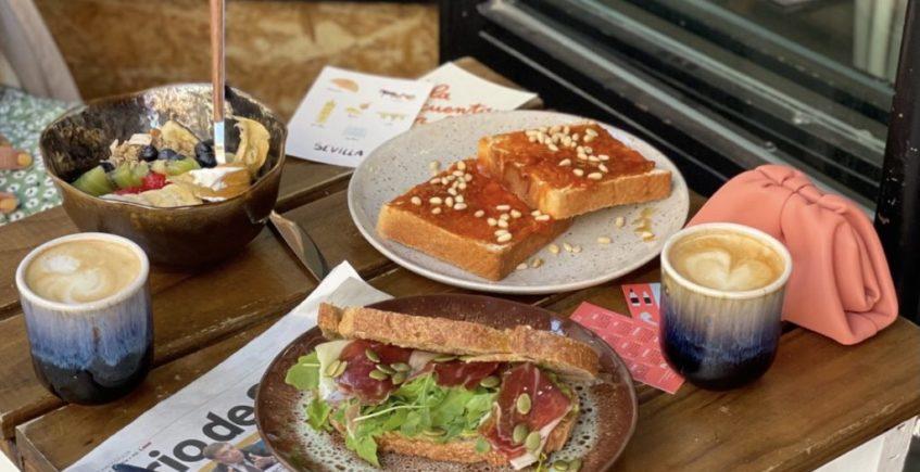 Purita, café de especialidad y desayunos cuidados en el centro de Sevilla